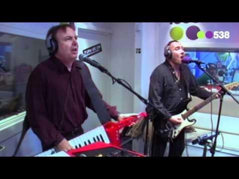 Radio 538: Time Bandits - Live it up (live bij Evers Staat Op)