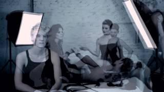 Kadr z teledysku Ironic tekst piosenki Sleeper feat. Ilona Felicjańska
