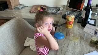 Бородина отчитывает дочь Теону (ondom2.com)