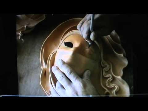 Elaboración de máscaras de cuero.