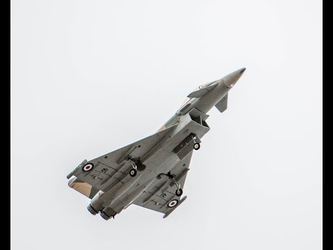 freewing-typhoon-eurofighter-on-the-beach