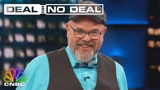 Contestant Robert Evans Tries To Charm His Way To The Banker's Heart | Deal Or No Deal
