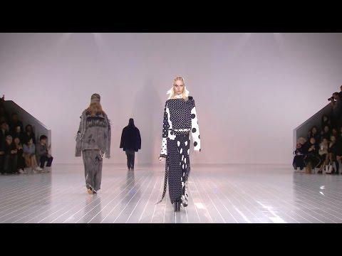 Marc Jacobs | Buổi Trình Diễn Thời Trang Thu Đông 2016/2017