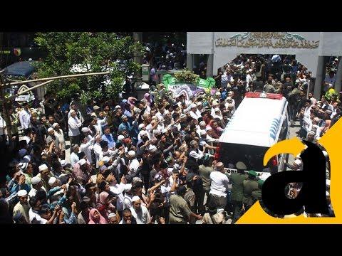 Prosesi Pemakaman KH Hasyim Muzadi