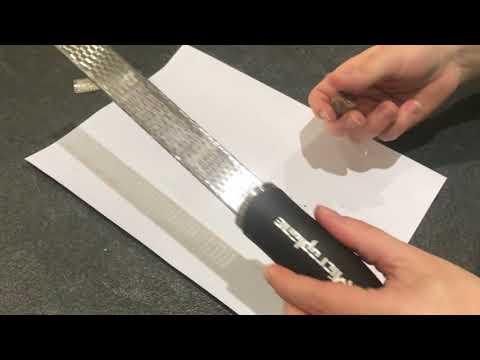 Zesteur Microplane avec la noix de muscade