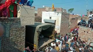 Ratan Singh Shahid ITBP KA Foji Bhai को अपने घर लाते हुए
