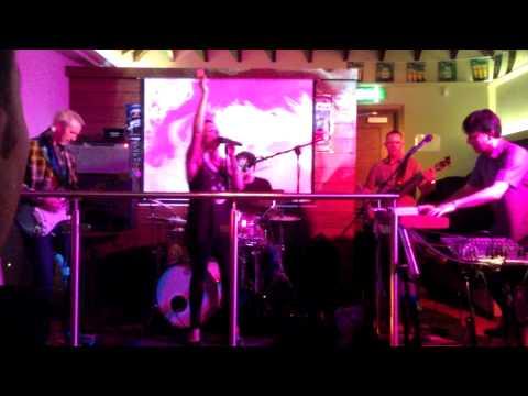 Wedding Band Ireland The Moogs – Live – Rhianna & Robin S