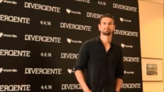 Theo James y Shailene Woodley en México