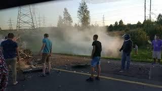 Авто в огне: под Ярославлем разбились несколько машин