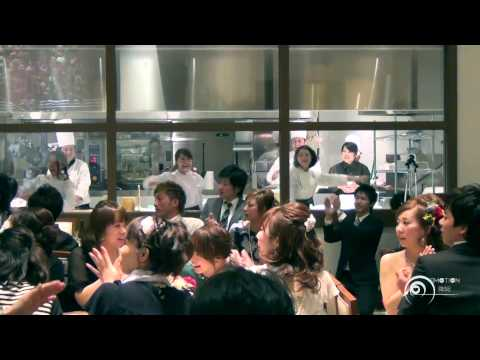 "Flash mob Surprise Wedding フラッシュモブ サプライズ 結婚式二次会 One Direction "" Live While We're Young """