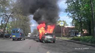 Взрыв машины на ходу в Великих Луках