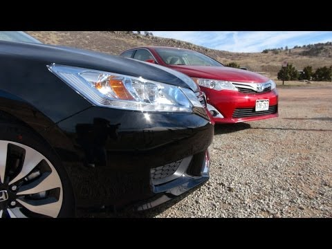 2014 Honda Accord vs Toyota Camry 0-60 MPH Hybrid Matchup Review