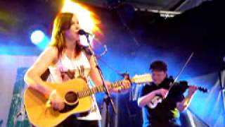 Thea Gilmore opens her set at Glastonbury 2010 with The Wrong Side + Old Soul