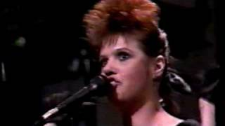 "Annie Golden performing ""Hang Up The Phone"" (1986)"