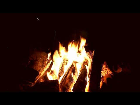 Virtual Campfire with Crackling Fire Sounds 1 (HD)