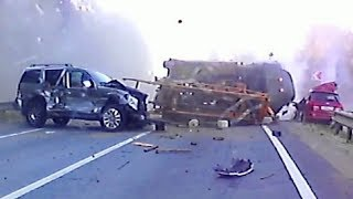 Idiot TRUCK And CAR Drivers Caught On Camera! Extreme Truck Driving Fails August 2017