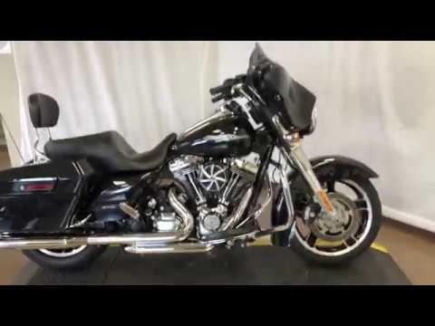 2013 Harley-Davidson® Street Glide® FLHX