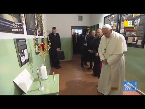 Visite et prière au Musée des occupations et de la lutte pour la liberté à Vilnius