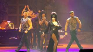 Elvira - 2a. Once Bitten Twice Shy (Lori Chacko cover) - Live @ Knott's Scary Farm 9/30/17