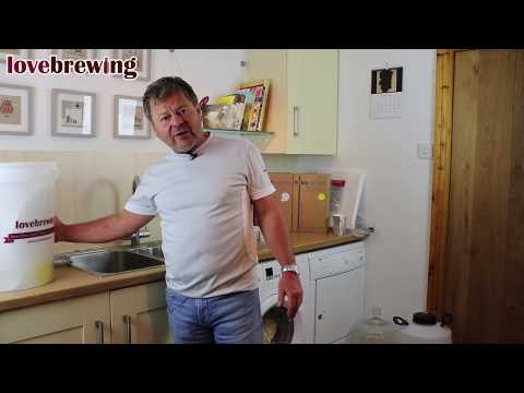 Beginners Beer Brewing Part 1 - Cleaning, Sterlising & Temperature