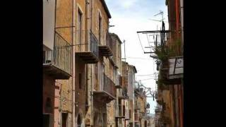 preview picture of video 'STRADE DI CIANCIANA  Paesi  Paesaggi di Sicilia - Foto: A. D'Ascoli'