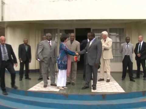 www.3tamis.org Mme L Onkelinx à Bukavu 100204