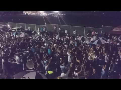"""""""Previa del Barra Brava 96.. cantando despacito. ."""" Barra: La Ultra Blanca y Barra Brava 96 • Club: Alianza • País: El Salvador"""