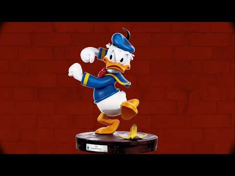 21d533c819a Disney Master Craft Statue Donald Duck 34 cm