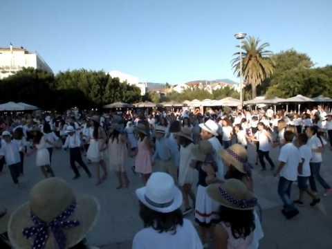 Έγινε η Παραστασιάδα Παραδοσιακού Χορού της Α' βάθμιας [video]