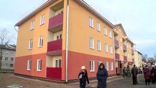 29 семей из поселка Парфино сегодня получили ключи от новых квартир