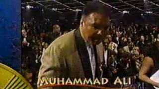 MUHAMMAD ALI TRIBUTE - BRIAN MCKNIGHT & DIANA KING