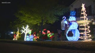 SA family in standoff with homeowner's association over holiday decorations