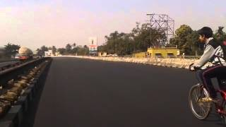 preview picture of video 'NH2 - National Highway 2 of India Riding With A Bicycle'