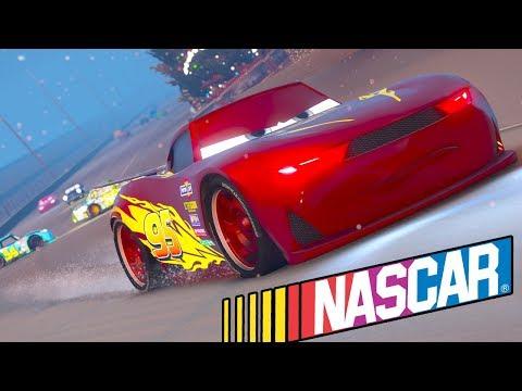 CARS 3 MCQUEEN CHRISTMAS NASCAR RACING (Cars 3 Nascar Race)