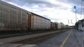 preview picture of video 'CN 372 with Distributed Power - Brockville Ont'