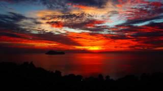 Ver una puesta de sol impresionante en una isla de Tailandia