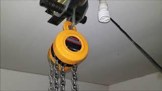 Engine chain hoist and trolley