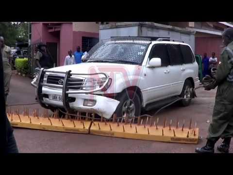 Poliisi ekutte Besigye e Jinja, bagamba ataataaganyizza ekitundu
