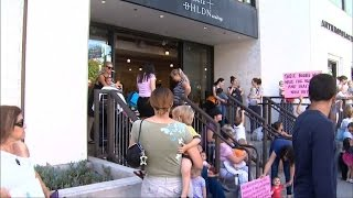 Breastfeeding moms protest outside Anthropologie store in Beverly Hills