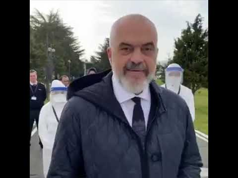 """A Bergamo 30 medici e infermieri albanesi. Edi Rama: """"Non abbandoniamo gli amici in difficoltà"""""""