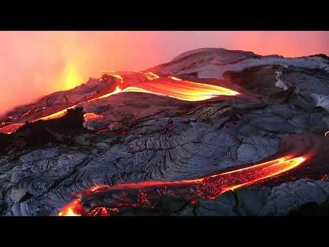 Video Molten lava pouring into sea Hawaii - Summer 2013
