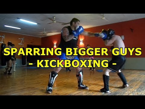 SPARRING BIGGER GUYS - KICKBOXING - (with annotations)