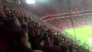 Фанаты «Спартака» заряжают на гостевой трибуне в Бильбао в матче 1/16 Лили Европы против «Атлетика»