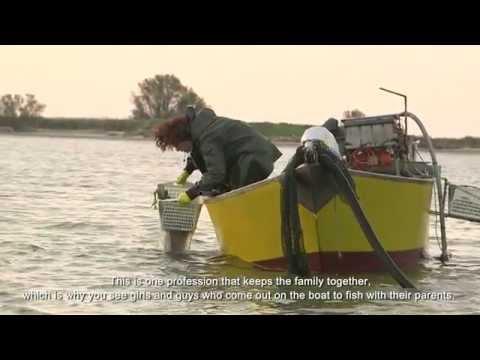 La pesca con un alloggio per la notte vicino a Kiev