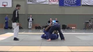 Ahmed 2eme combat tournoi Prüm BJJ-  720p 1.mov