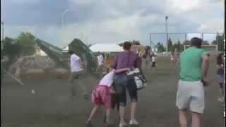 preview picture of video 'Tornádó a dunakeszi gyereknapon 2012-05-27'