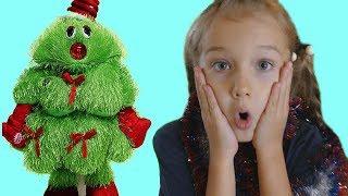 Niki Decorating Magic Christmas Tree by Toys