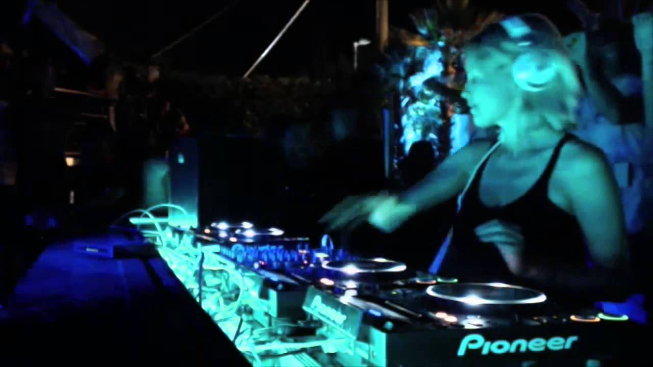 Ida Engberg - Live @ Dolcevita Limited Session 2015