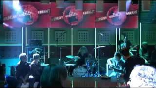 De minuut: Shaking Godspeed – Lately – 17-11-2010