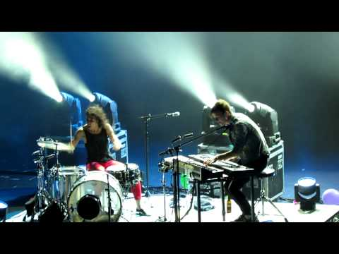 Matt & Kim - Now (Live @ the Fox Theater in Oakland)